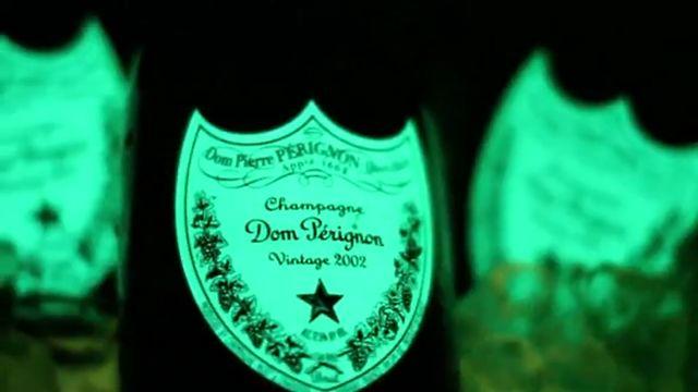 dom p rignon luminous preis champagner champagner. Black Bedroom Furniture Sets. Home Design Ideas